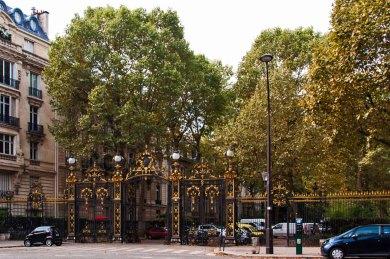 Paris - Avenue Velasquez grillwork