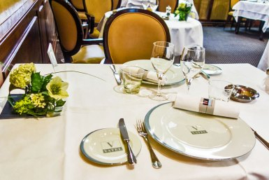 Lyon-Vatel table setting