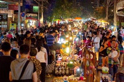 Sunday Walking Market Crowds