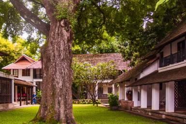 Chiang-Mai-Tamarind Village courtyard.