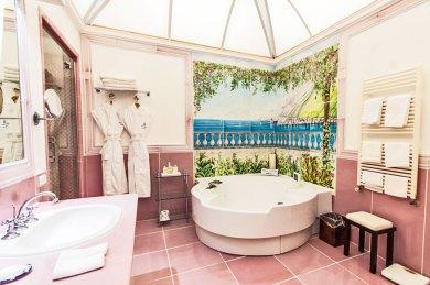 Amalfi-Santa Caterina bath