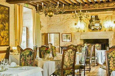 Perigord-La Fleunie dining room.