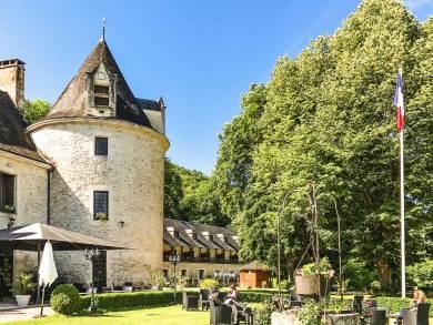 Perigord-Chateau La Fleunie.