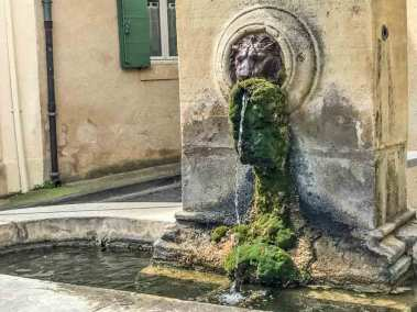 Luberon-:lourmarin fountain.