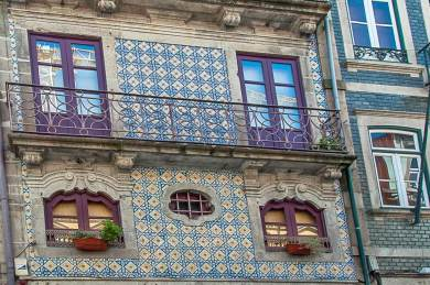 Porto-Azulejo facade.
