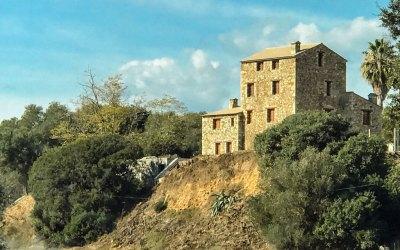 Corsica-Farmhouse.