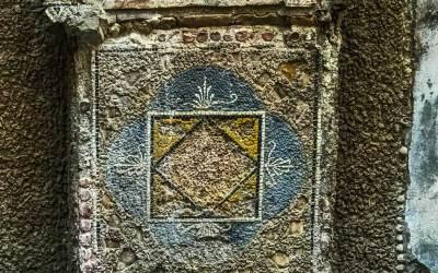 Herculaneum-wall mosaic.