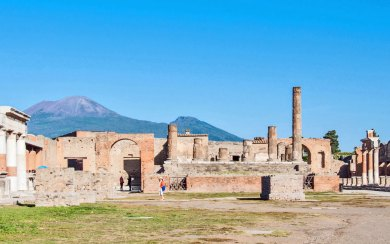 Pompeii-Temple of Jupiter.