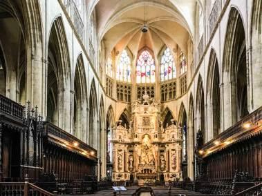 The nave of the Saint Sernin Basilica.