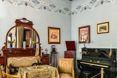Art Nouveau Museum - living room.