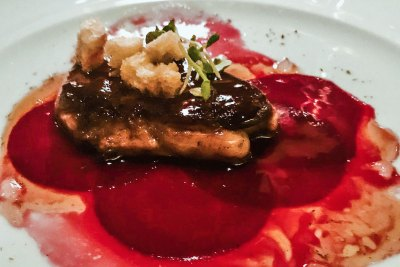 At La Veranda, Michelin-starred chef Jean Pierre Vigato proposed his Apicius signature dishes.  I love his seared foie gras with beet carpaccio and gingerbread croutons.