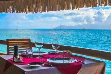 Papeete-Lotus dining