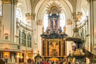 Hamburg-Saint Micheal nave.