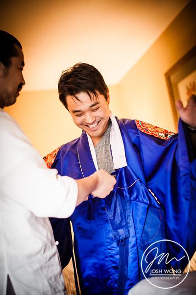 Pae Baek traditional wedding ceremony attire. Wedding pictures by NYC Wedding photographer Josh Wong Photography