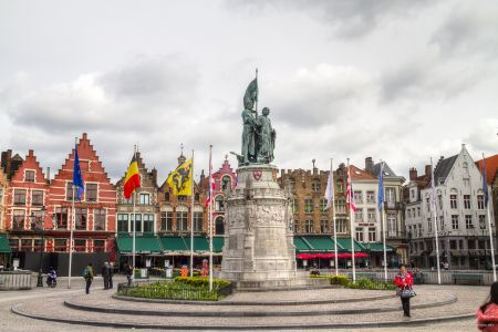 20160430 - 091207 - _MG_0830 - Brugge, dag 2 - Canon7D - +0 stop_+2 stop_-2 stopEnhancer01