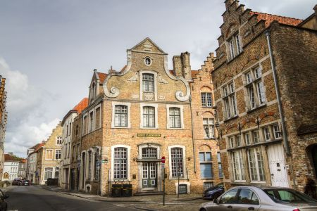 20160430 - 093004 - _MG_0840 - Brugge, dag 2 - Canon7D - +0 stop_+2 stop_-2 stopEnhancer01