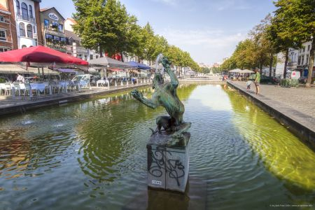 20160827 - 122048 -  MG 3239 - Brussel (B) - Canon EOS 7D - +0 Stop +2 Stop -2 StopEnhancer01