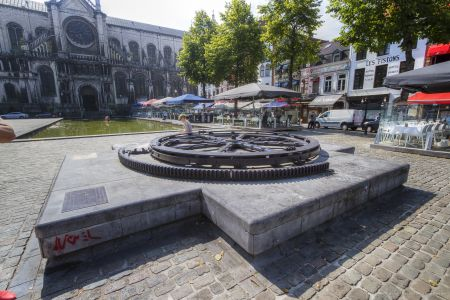 20160827 - 122229 -  MG 3242 - Brussel (B) - Canon EOS 7D - +0 Stop +2 Stop -2 StopEnhancer01