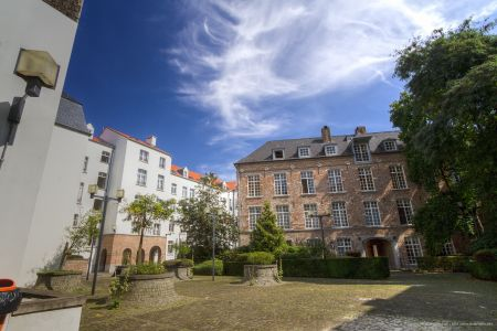 20160827 - 125234 -  MG 3262 - Brussel (B) - Canon EOS 7D - +0 Stop +2 Stop -2 StopEnhancer01