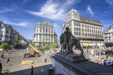 20160827 - 130908 -  MG 3267 - Brussel (B) - Canon EOS 7D - +0 Stop +2 Stop -2 StopEnhancer01