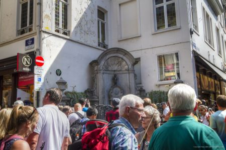 20160827 - 133454 -  MG 3297 - Brussel (B) - Canon EOS 7D - +0 Stop +2 Stop -2 StopEnhancer01