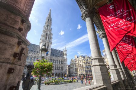 20160827 - 134306 -  MG 3299 - Brussel (B) - Canon EOS 7D - +0 Stop +2 Stop -2 StopEnhancer01