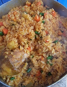 pot of rice well mixed with ingredients