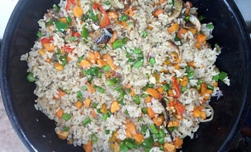 Frying of rice with vegetables
