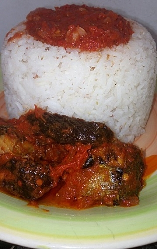 Serve your stew with boiled rice