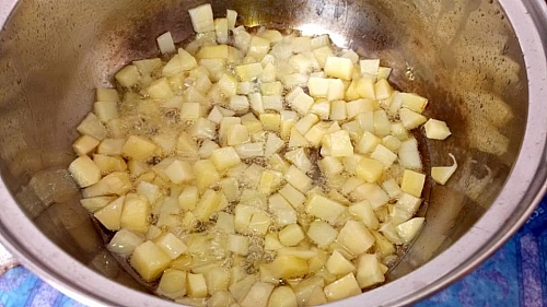 Frying process of diced potatoes