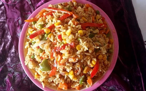 Spicy coconut fried rice is ready