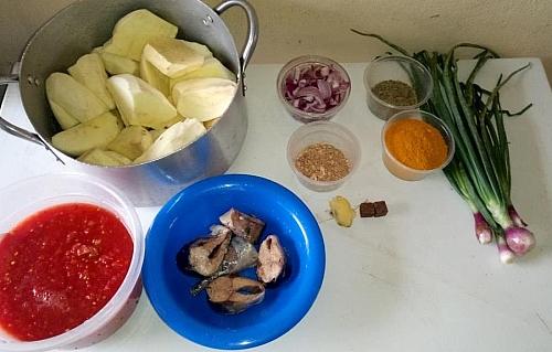 Ingredients for cooking sweet porridge