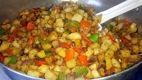 Now, your delicious stir fry potatoes is ready