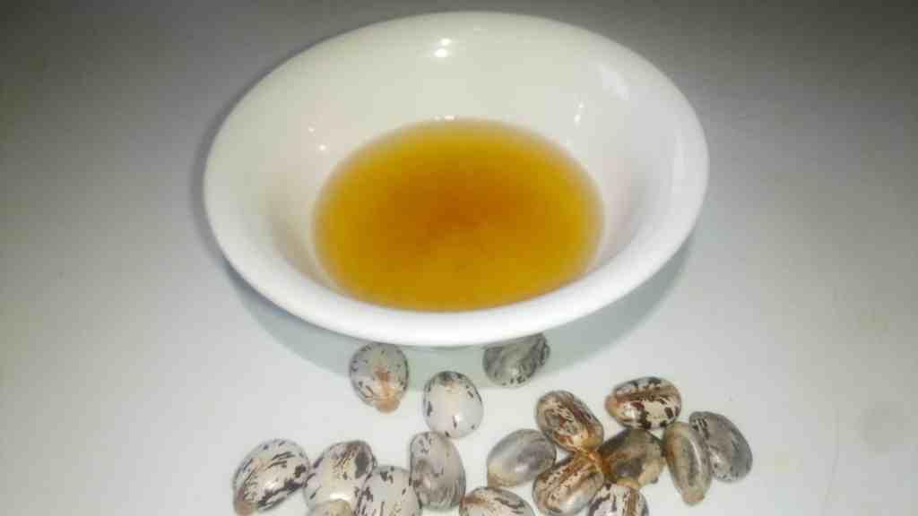 Homemade Castor Oil for eye drops