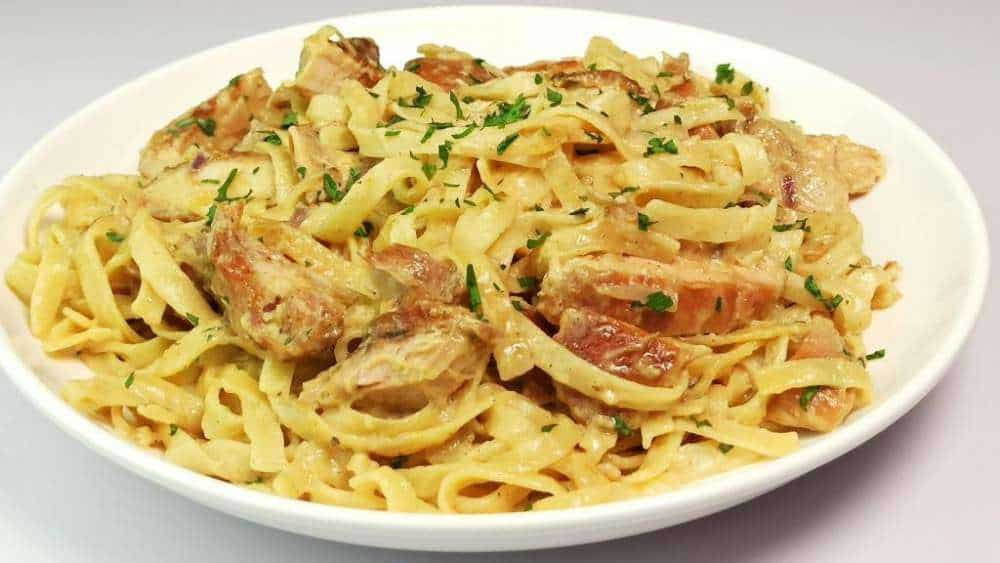 Homemade Chicken Alfredo Fettuccine Pasta Recipe