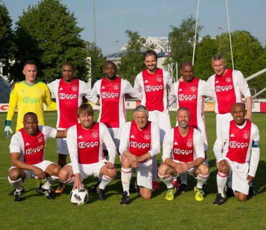Zaterdag: Lucky Ajax tegen VV Langweer