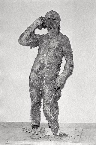 Atleta di Fano prima del restauro.jpg