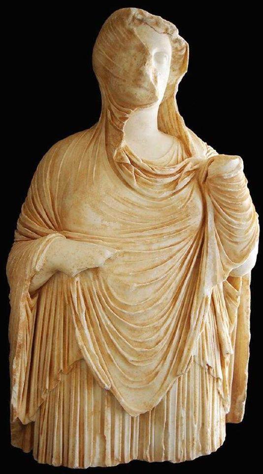 Scultura femminile età Ellenistica da Cirene