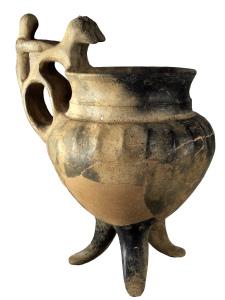 In sua dignitate. Orciolo tripode, fine VIII-inizi VII secolo a.C.