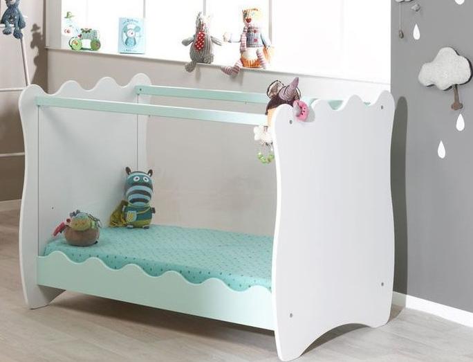 Tour de lit : est-ce dangereux pour bébé ?