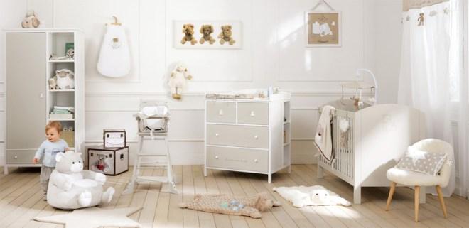 chambre de bébé blanche taupe