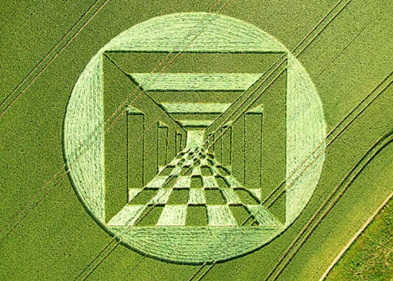 Crop circle illusion