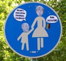 Barbara_Verkehrsschild_Merkel_Gysi