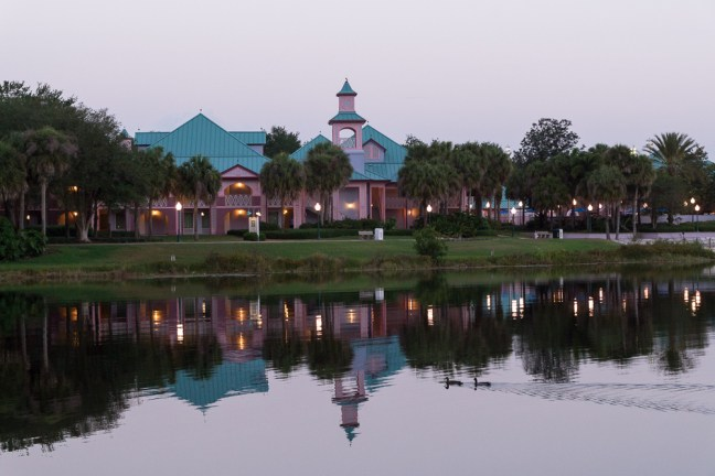 Disney_World-Caribbean Beach Resort