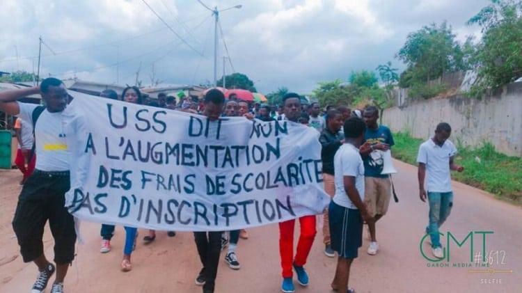 affrontements entre policiers et étudiants