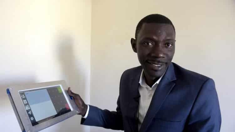 L'Afrique manque d'informaticiens et cherche des solutions