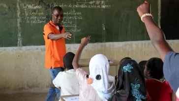 enseignants boudent les classes/impôts sur les salaires/Crise scolaire en Afrique/Mirador/Partenariat mondial pour l'éducation/Éducation au Sénégal/Journée de l'enseignant/Loi de finances 2018