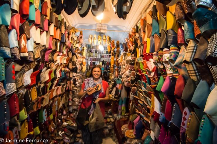 Jasmine Fernance show shopping in Marrakech
