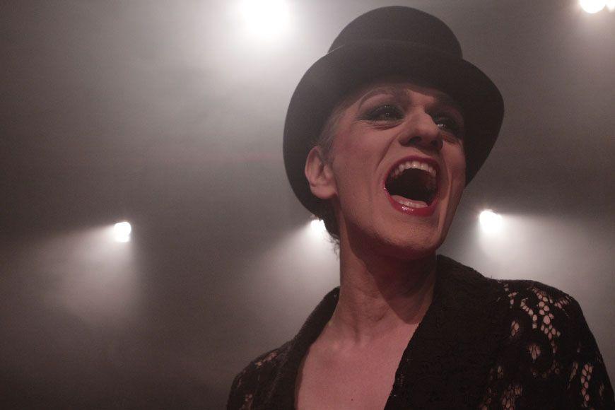 Crítiques: 'Laberint Striptease' de Roberto G. Alonso i Jordi Cornudella
