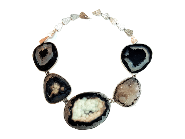 Laura Márquez - Collar de la colección Mujer